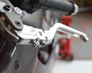 Motocorse Brems- und Kupplungshebel Paar mit Klappfunktion